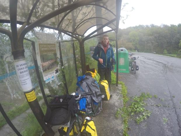 Bus shelter shelter