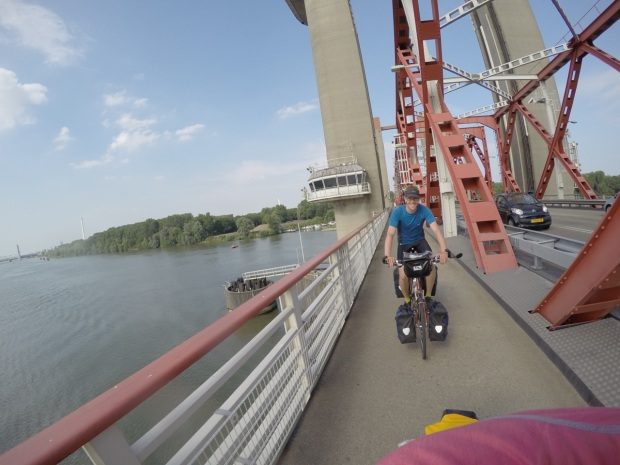 Dave happily riding over the bridge. (What detour?)