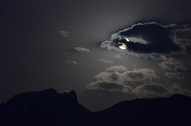 05 moon 3