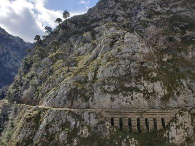 Path above aquaduct